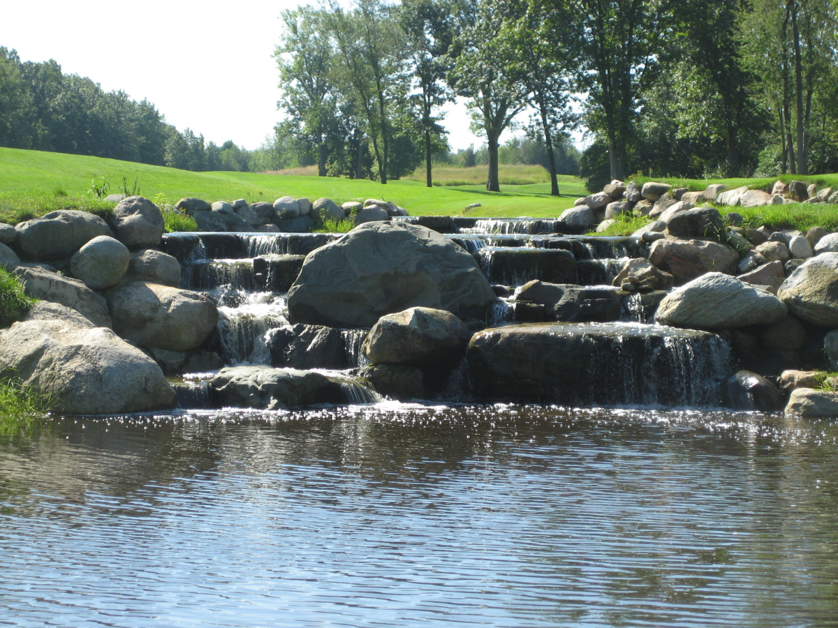 Golf_Course_Preserves_Waterfall_4