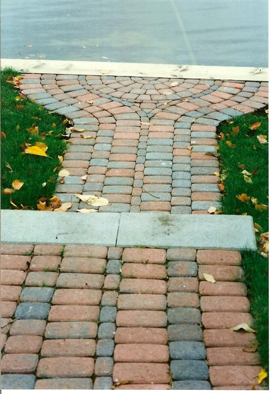 Paver_sidewalk_and_step