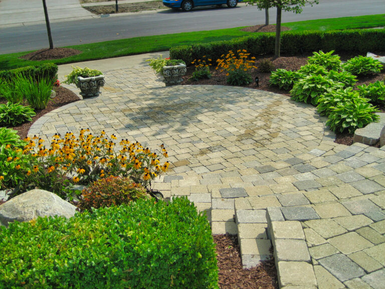 Hardscape_pavers_plantings_stairs