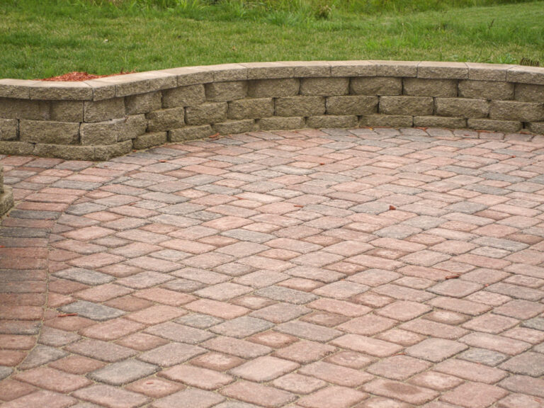 Hardscape_walls_and_pavers