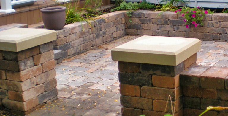 Private_hardscape_Patio_pavers_and_walls